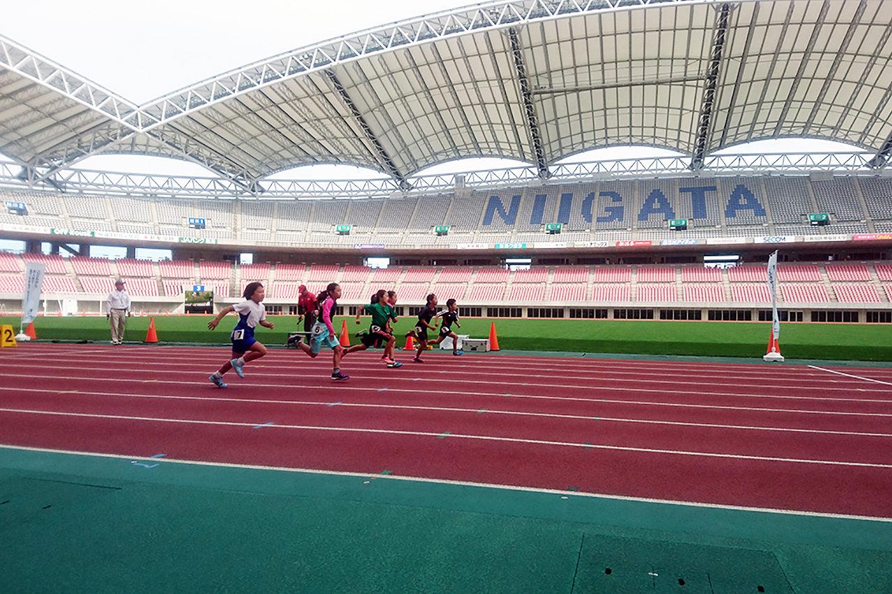全国の陸上競技場で開催中の「全国統一かけっこチャレンジ」が今年も新潟にやってくる!