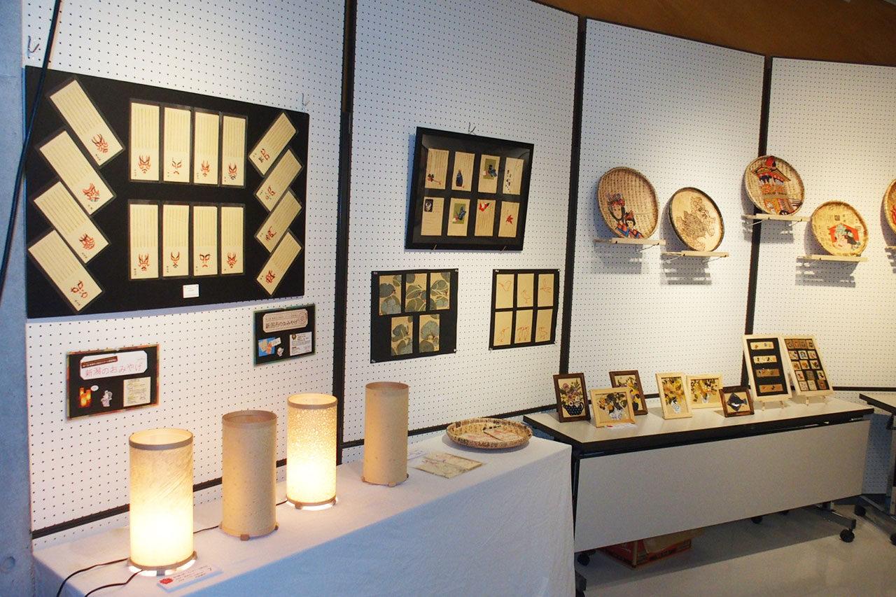 福島潟で活動する市民団体の作品を展示「潟の創作展」開催
