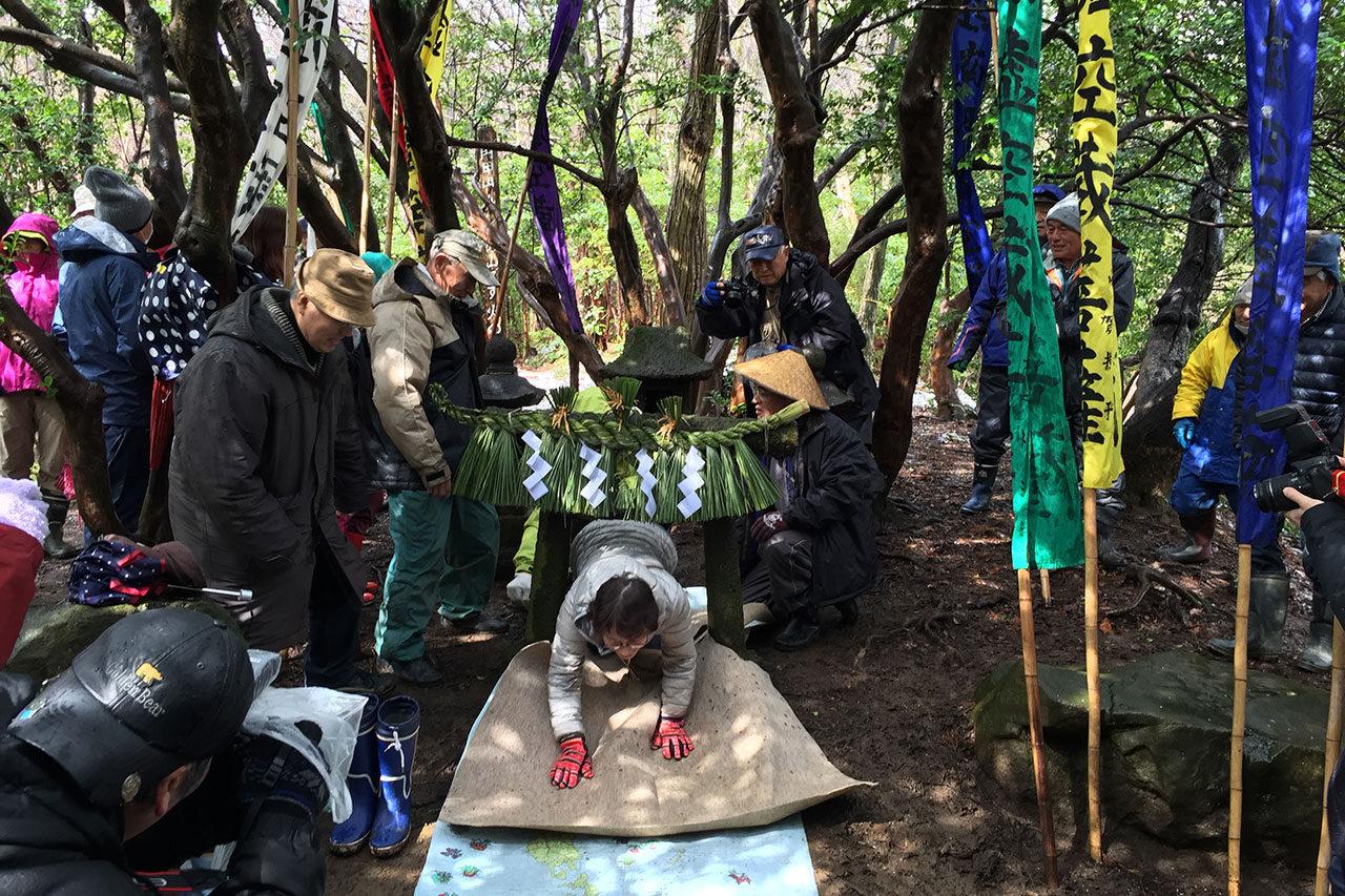 西蒲区でまち歩き 奇祭「山の神」と温泉・角田浜巡り 開催